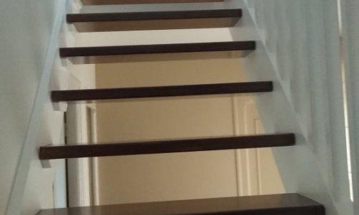 réalisation d'un escalier en bicolore